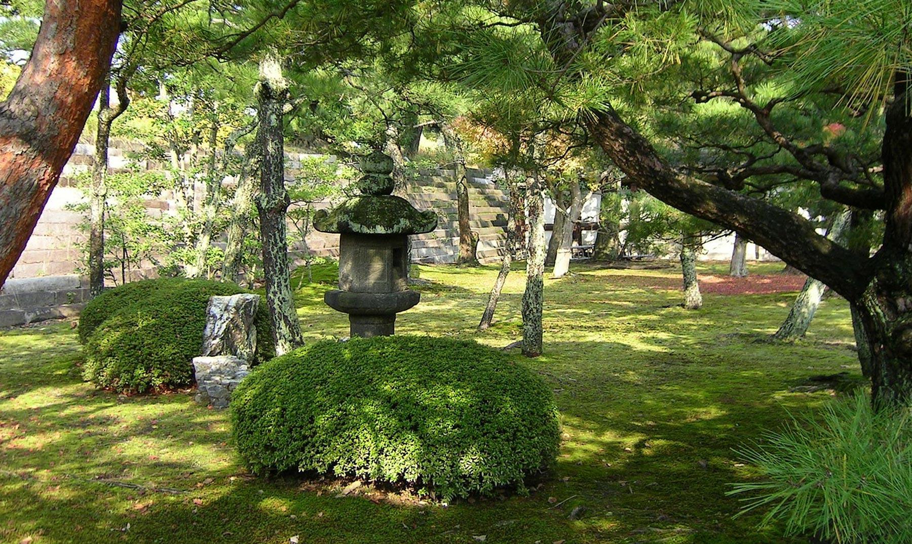 ¿Cómo se venera en Asia a la naturaleza?
