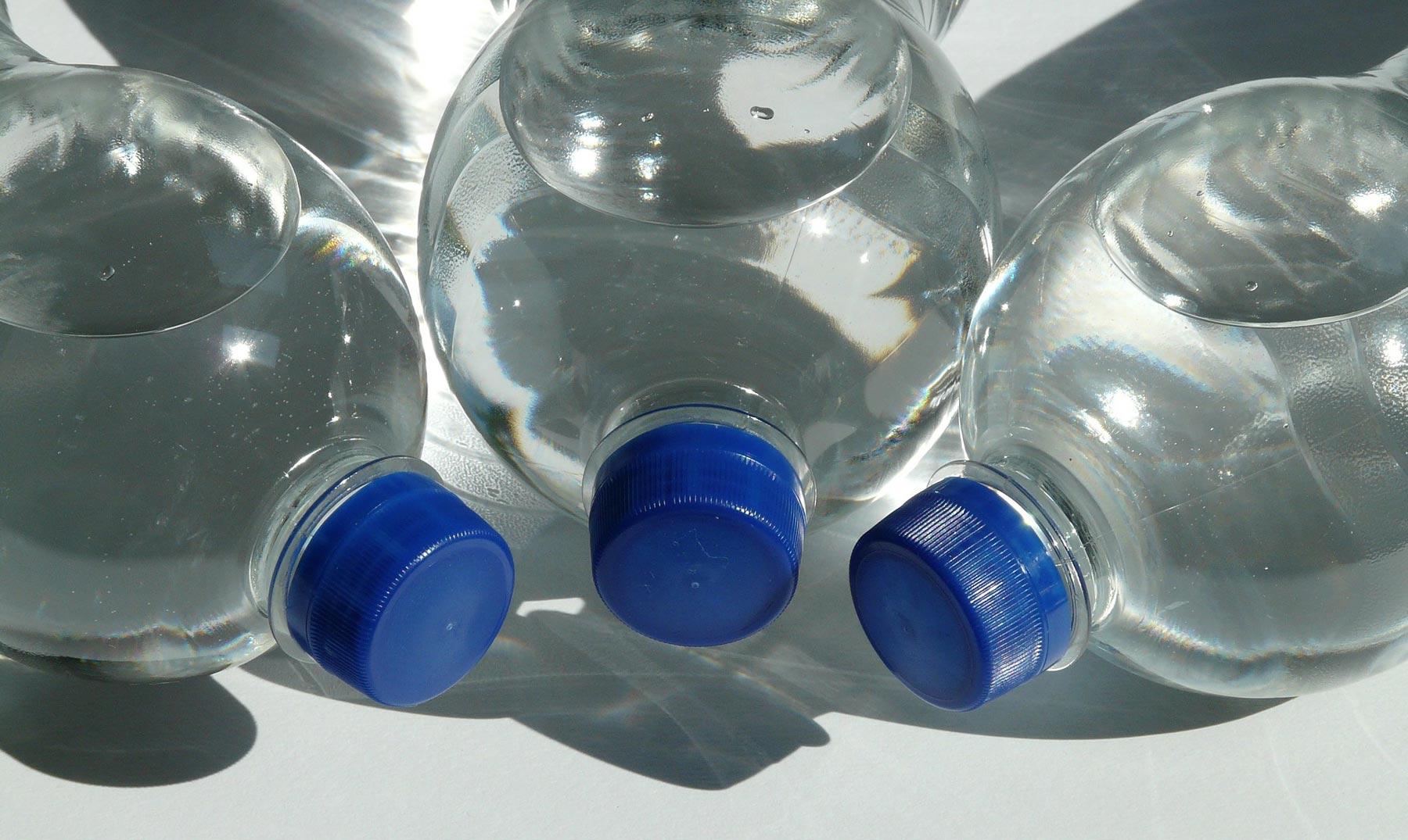 Agua embotellada: ¿es seguro consumirla?