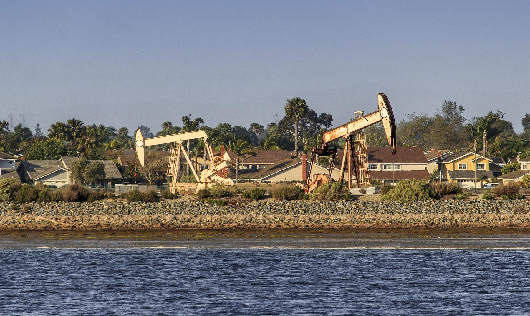 Petróleo barato, costos ambientales altos