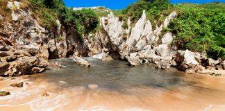 Playas paradisíacas en el Cantábrico, Gulpiyuri